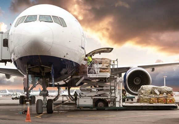 Những ưu nhược điểm của loại hình vận chuyển quốc tế bằng đường hàng không
